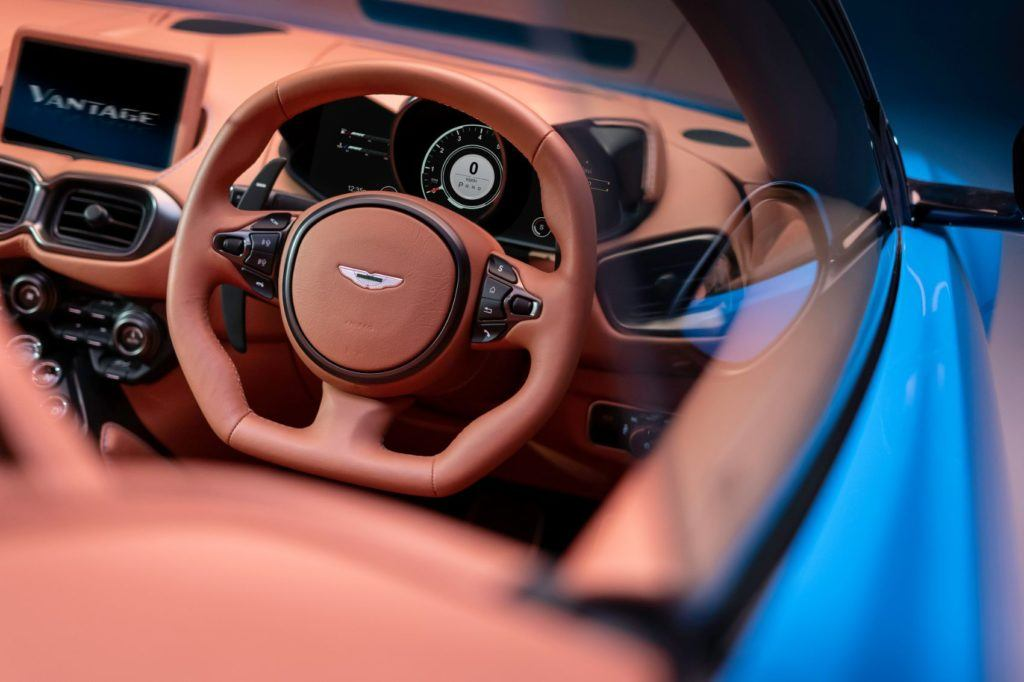 Aston Martin Vantage Roadster: This Drop Top Looks Really Fun! 24