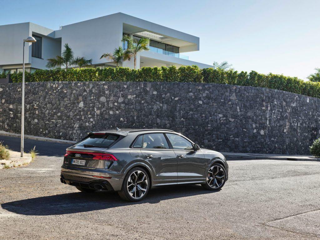 Audi RS Q8 20