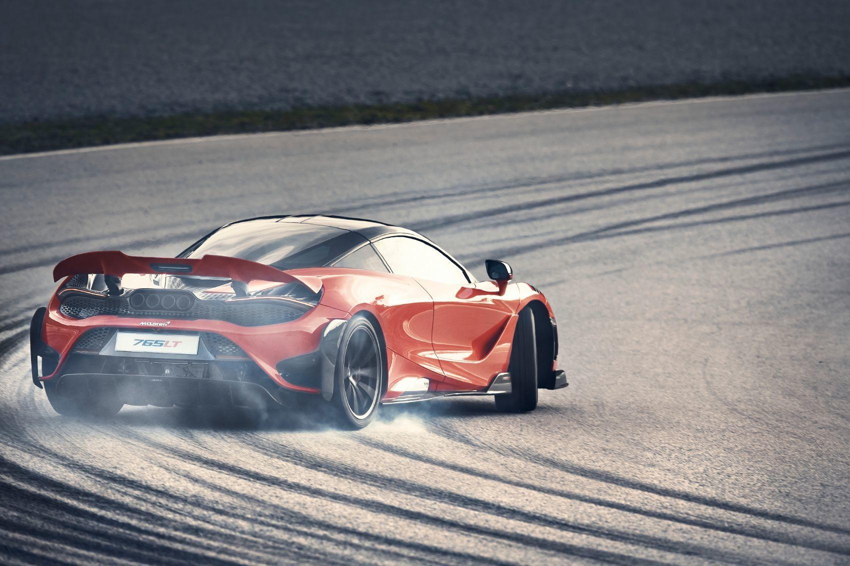 McLaren 765LT 23
