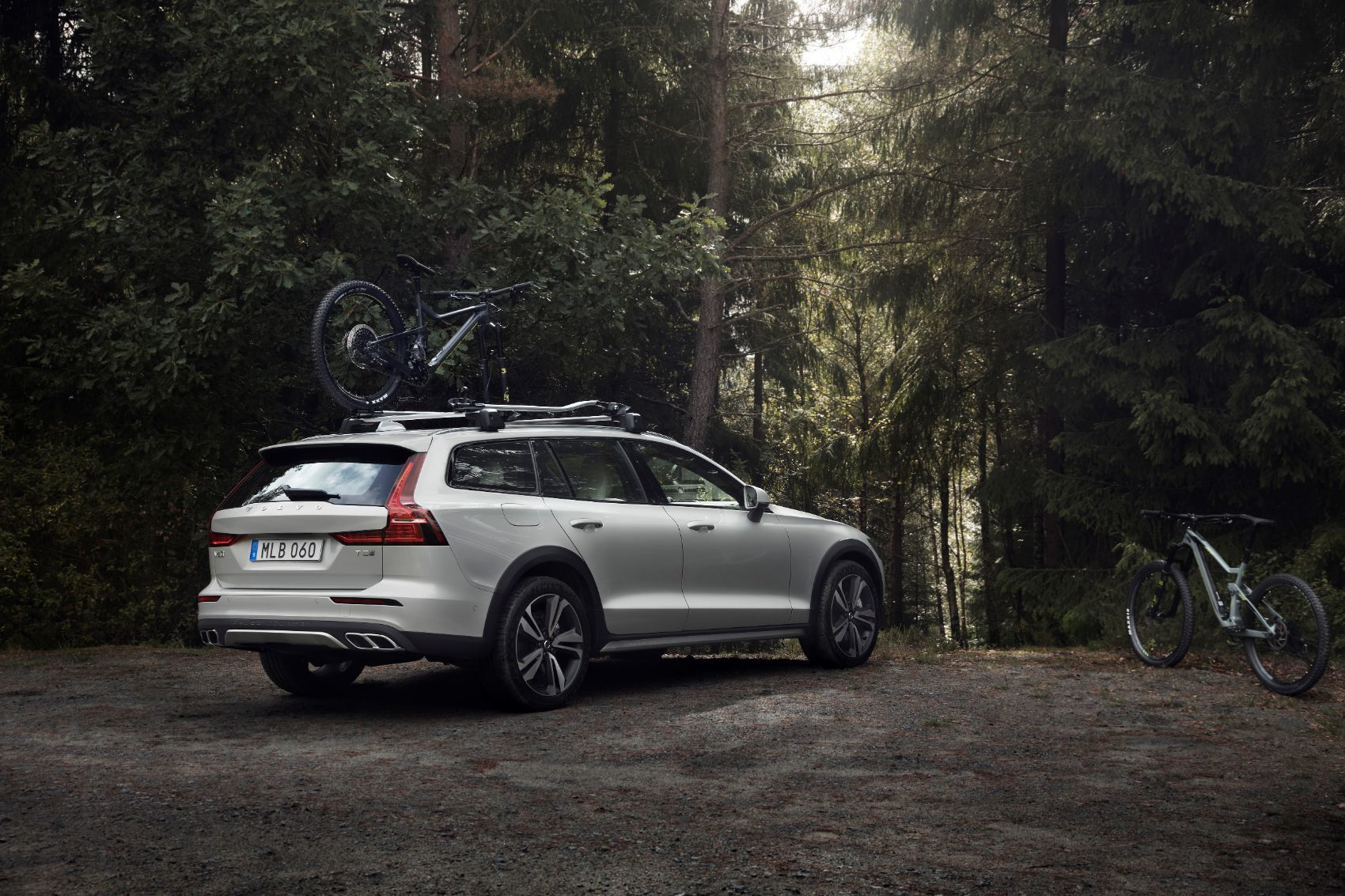 2020 Volvo V60 Review: Better Than An SUV? It Just Might Be! 15