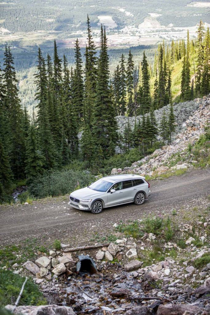 2020 Volvo V60 Review: Better Than An SUV? It Just Might Be! 24
