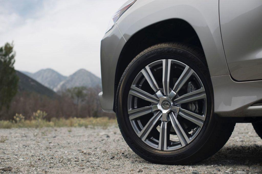 2020 Lexus LX 570 10