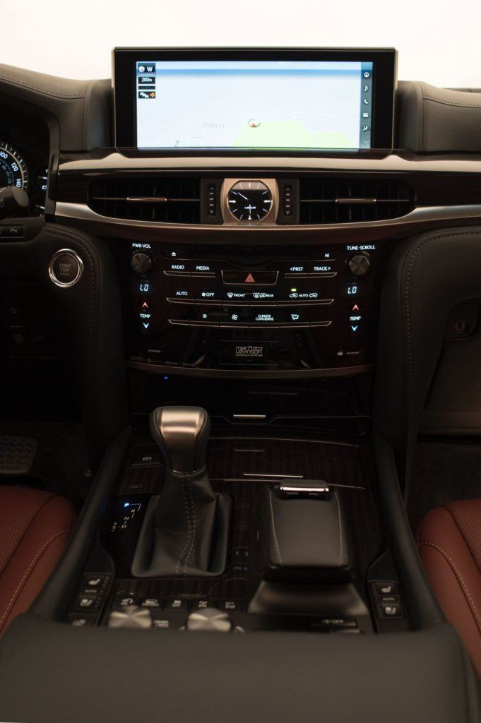 2020 Lexus LX 570 16