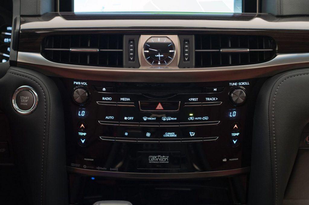 2020 Lexus LX 570 17
