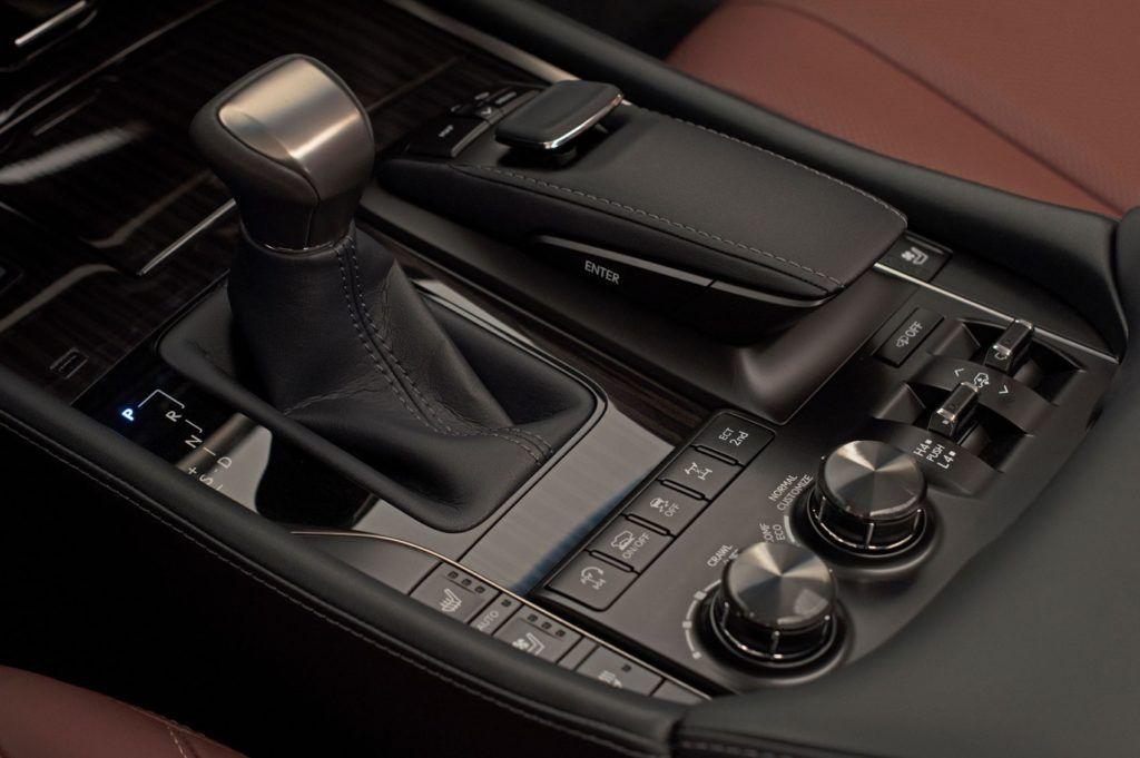 2020 Lexus LX 570 18