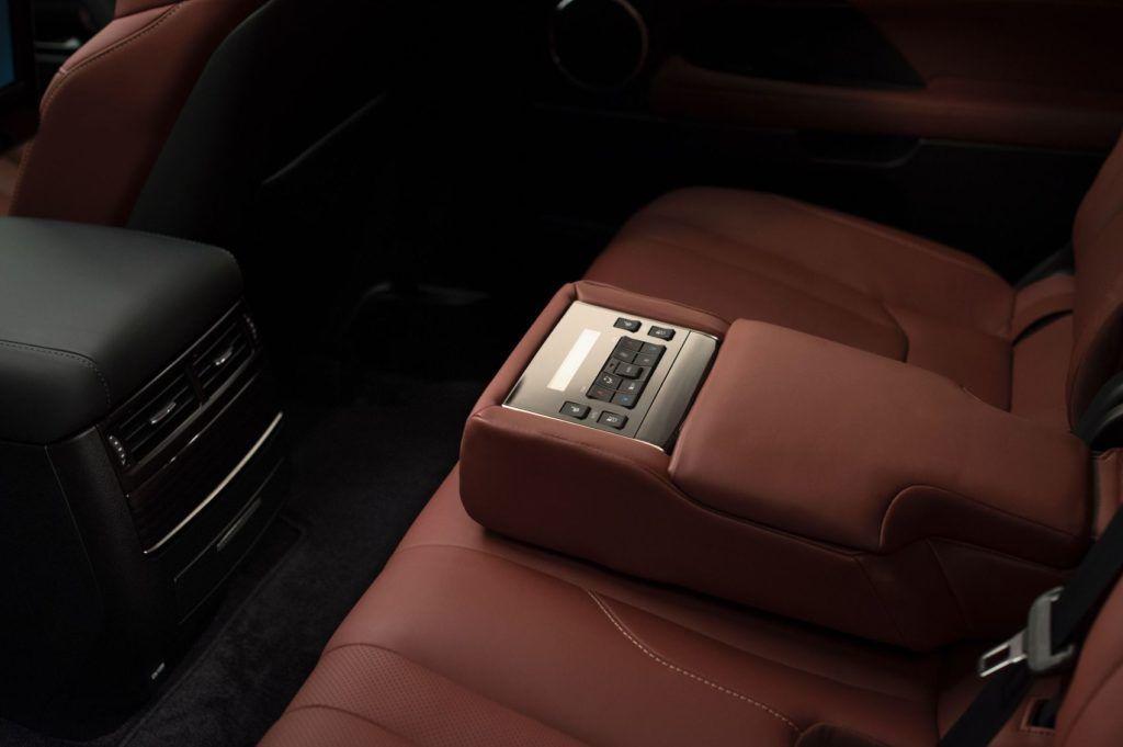2020 Lexus LX 570 22