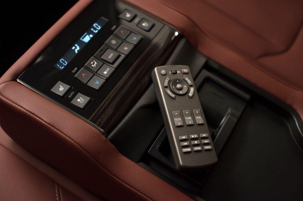2020 Lexus LX 570 23