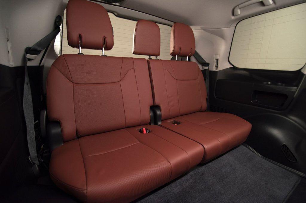 2020 Lexus LX 570 27