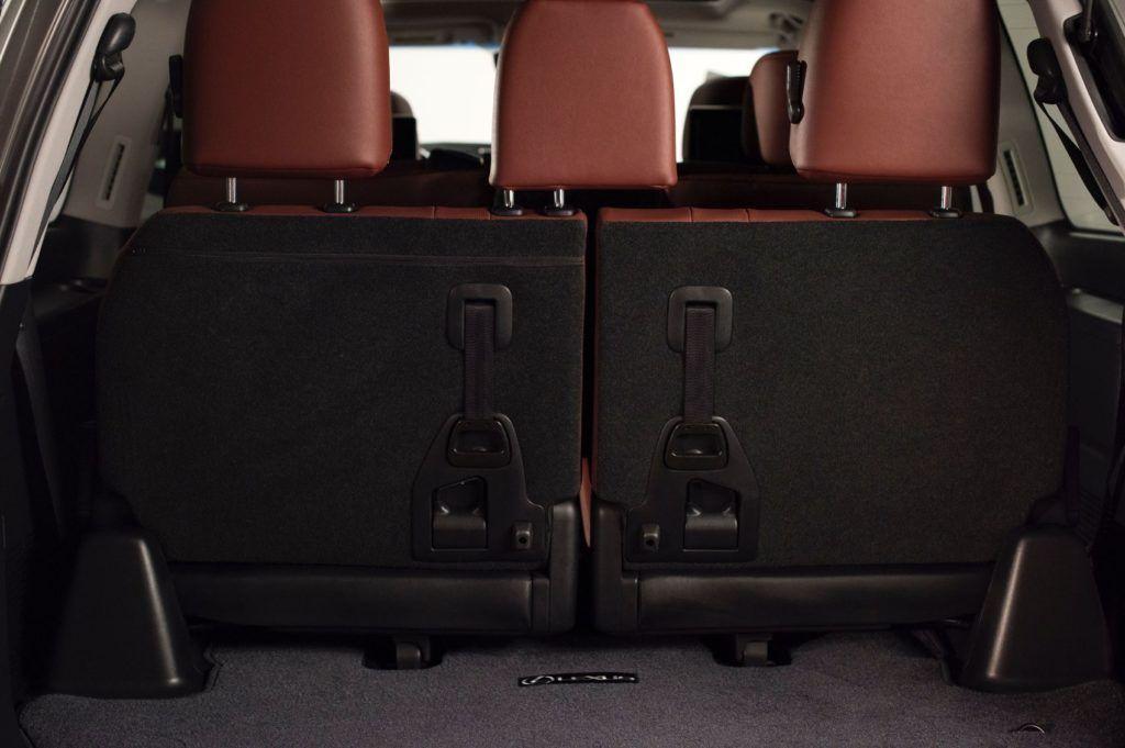 2020 Lexus LX 570 28
