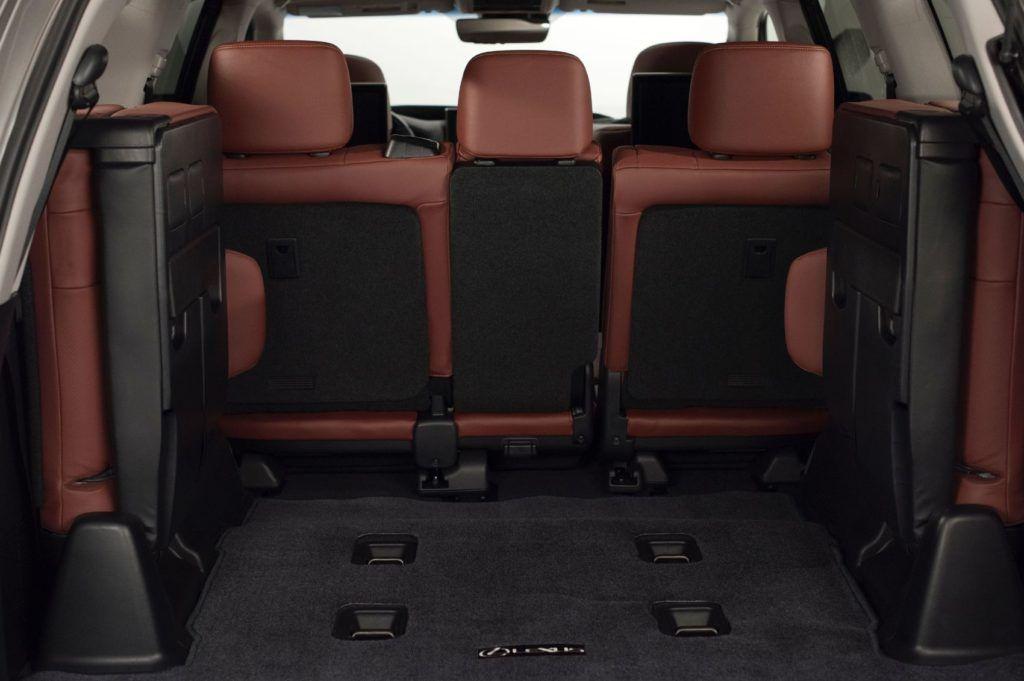 2020 Lexus LX 570 29
