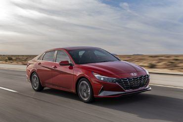 2021 Hyundai Elantra: When a Compact Sedan Grows Up 2