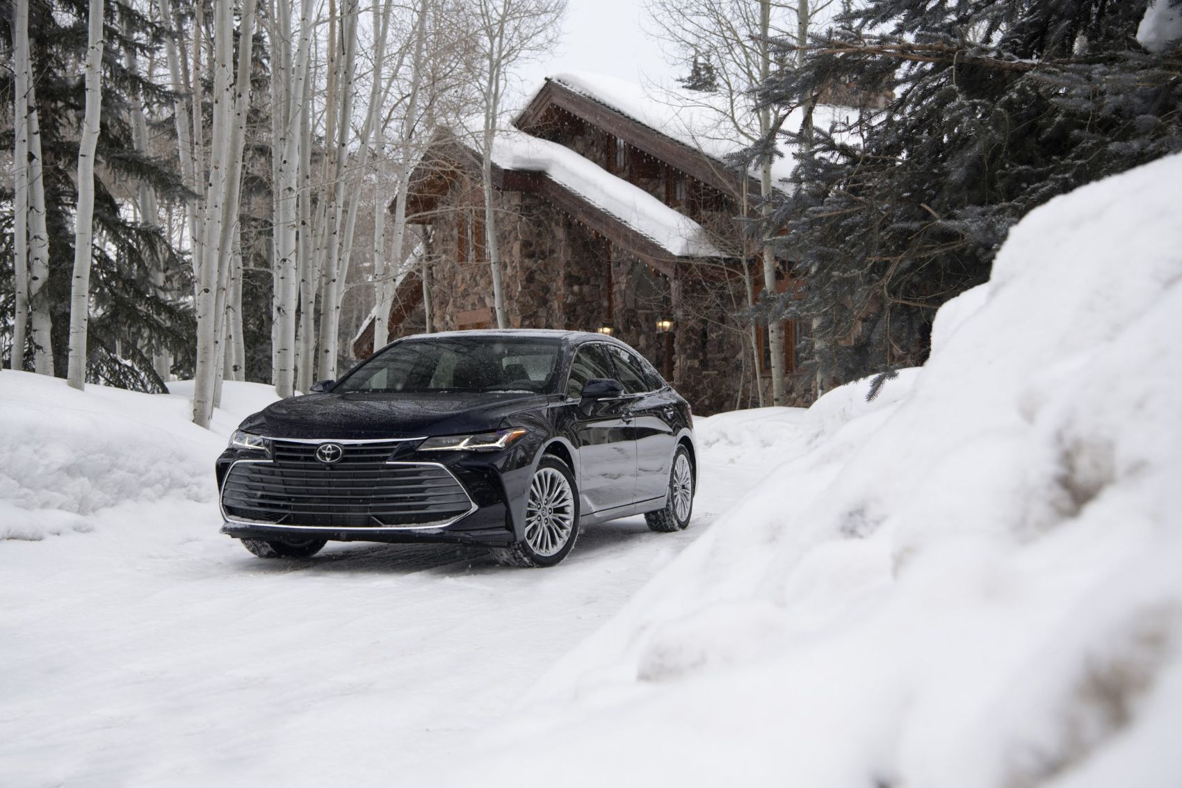 2021 Toyota Avalon Limited with all-wheel drive. Photo: Toyota Motor Sales, U.S.A., Inc.