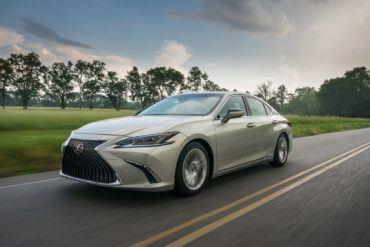2020 Lexus ES 300h 10