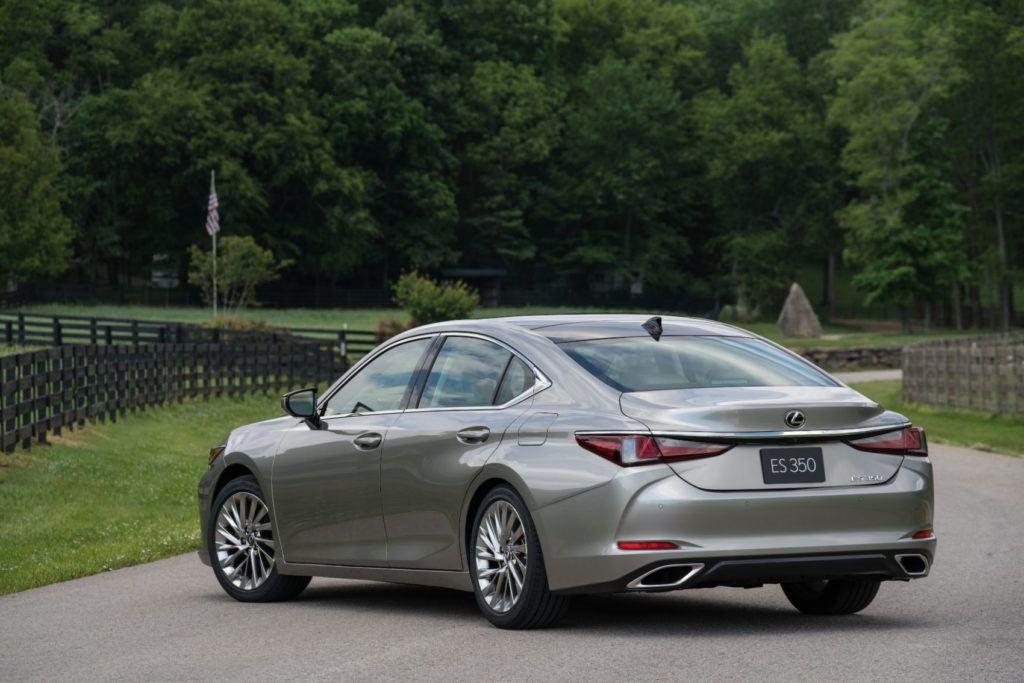 2020 Lexus ES 300h 7
