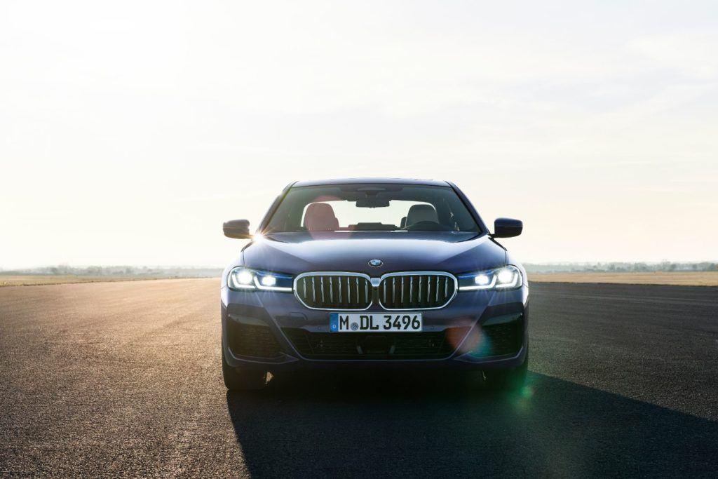 2021 BMW 5 Series 10