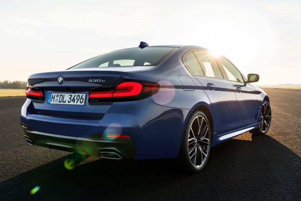 2021 BMW 5 Series 12
