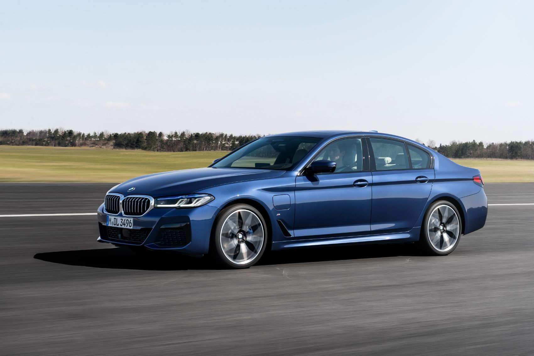 2021 BMW 5 Series: Free Ultimate Reference Guide to This ...