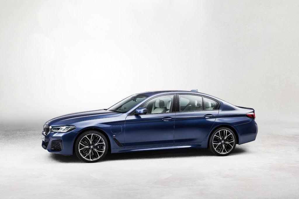 2021 BMW 5 Series 23