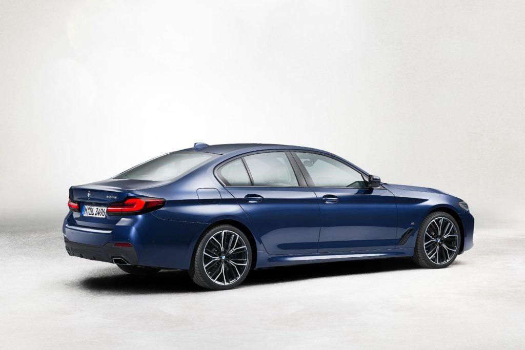 2021 BMW 5 Series 25