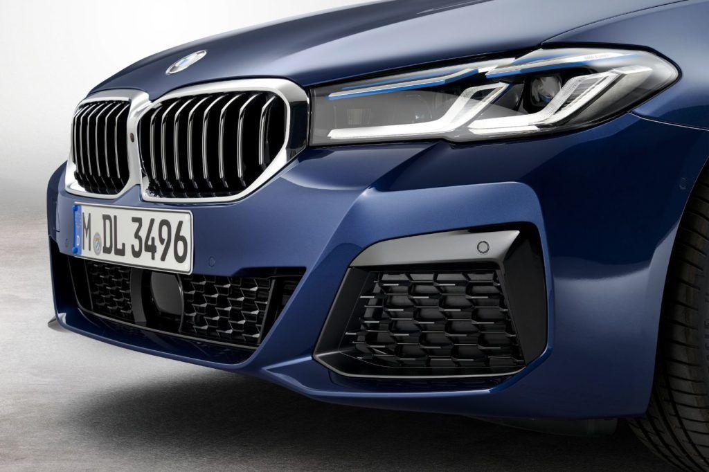 2021 BMW 5 Series 29