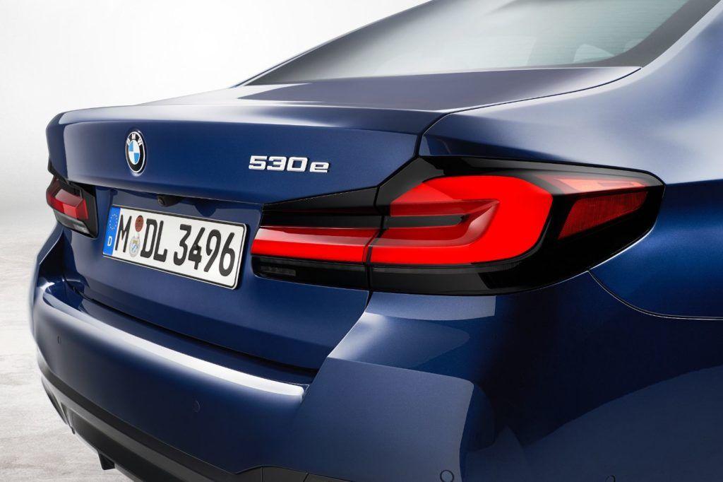 2021 BMW 5 Series 34