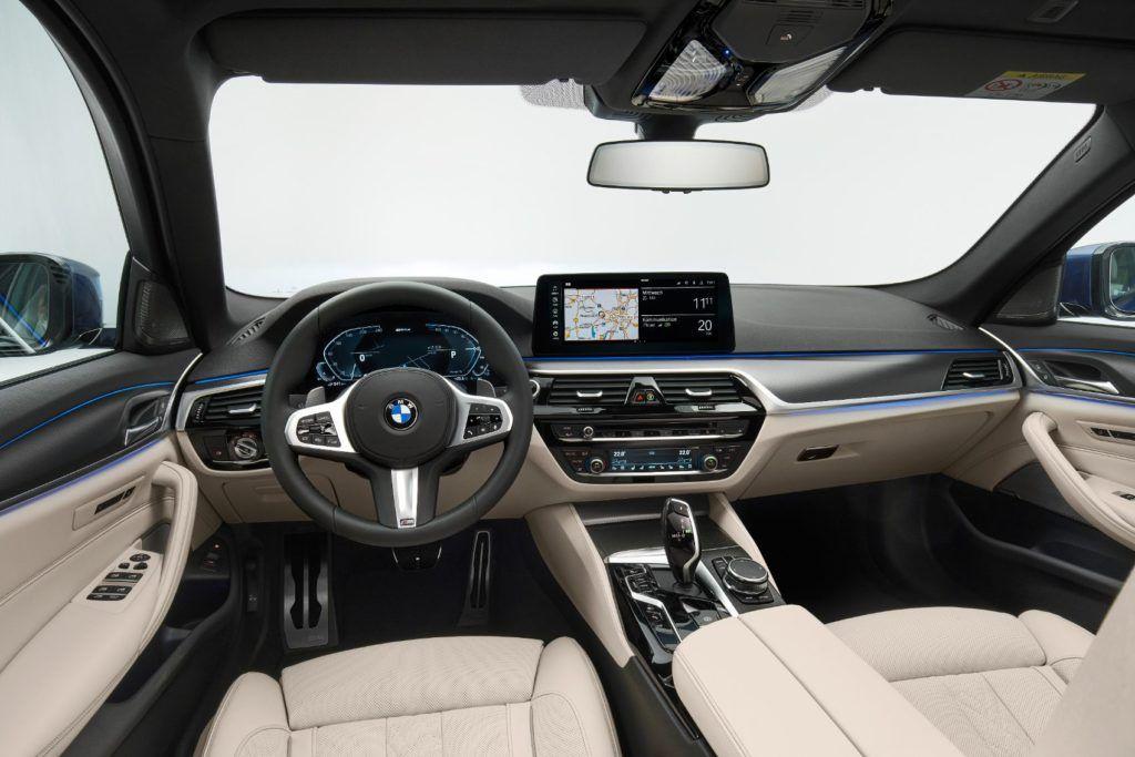 2021 BMW 5 Series 43