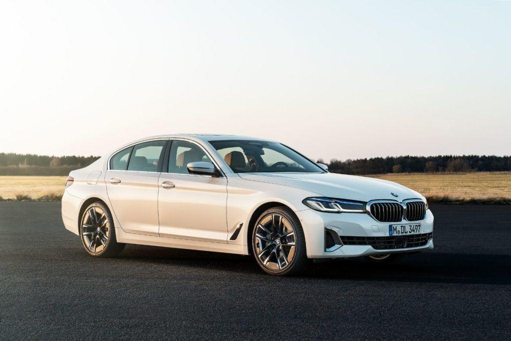 2021 BMW 5 Series 54