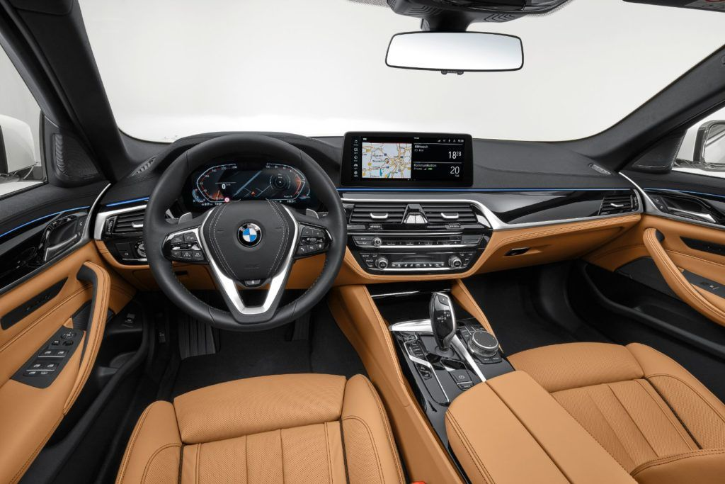 2021 BMW 5 Series interior layout.