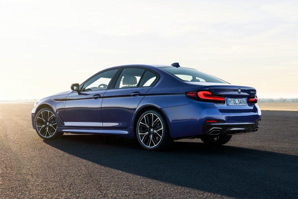2021 BMW 5 Series 8