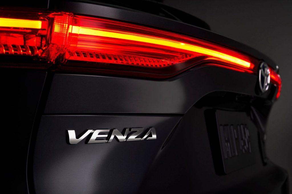 2021 Toyota Venza 14
