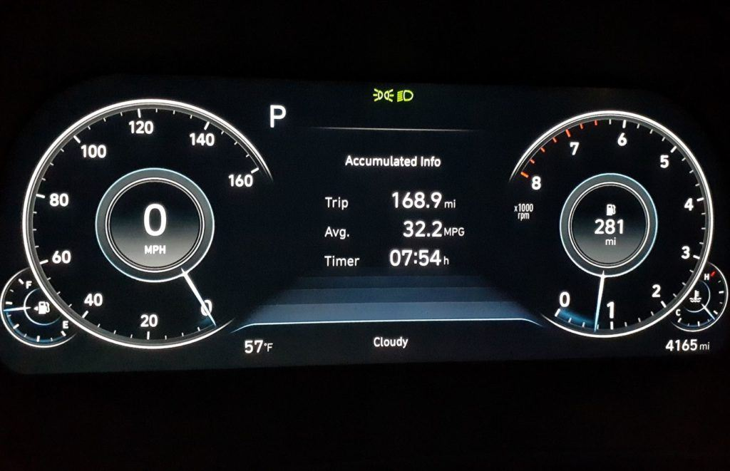 Screenshot showing the combined fuel economy of our 2020 Sonata press vehicle after about 170 miles of driving.