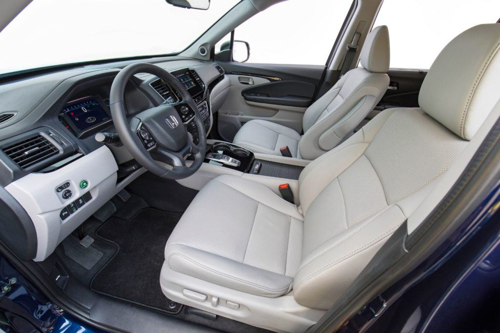 2021 Honda Pilot interior layout.