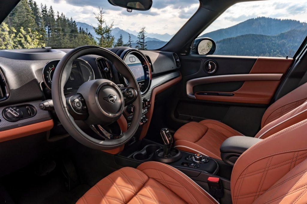2021 Mini Countryman interior layout.