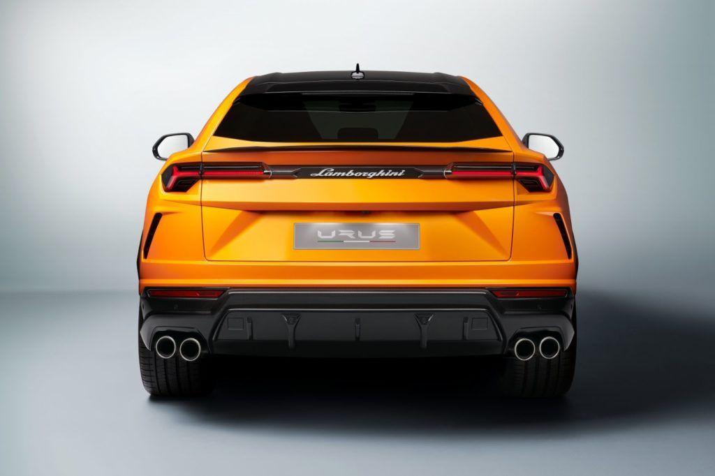 Lamborghini Urus Pearl Capsule 15
