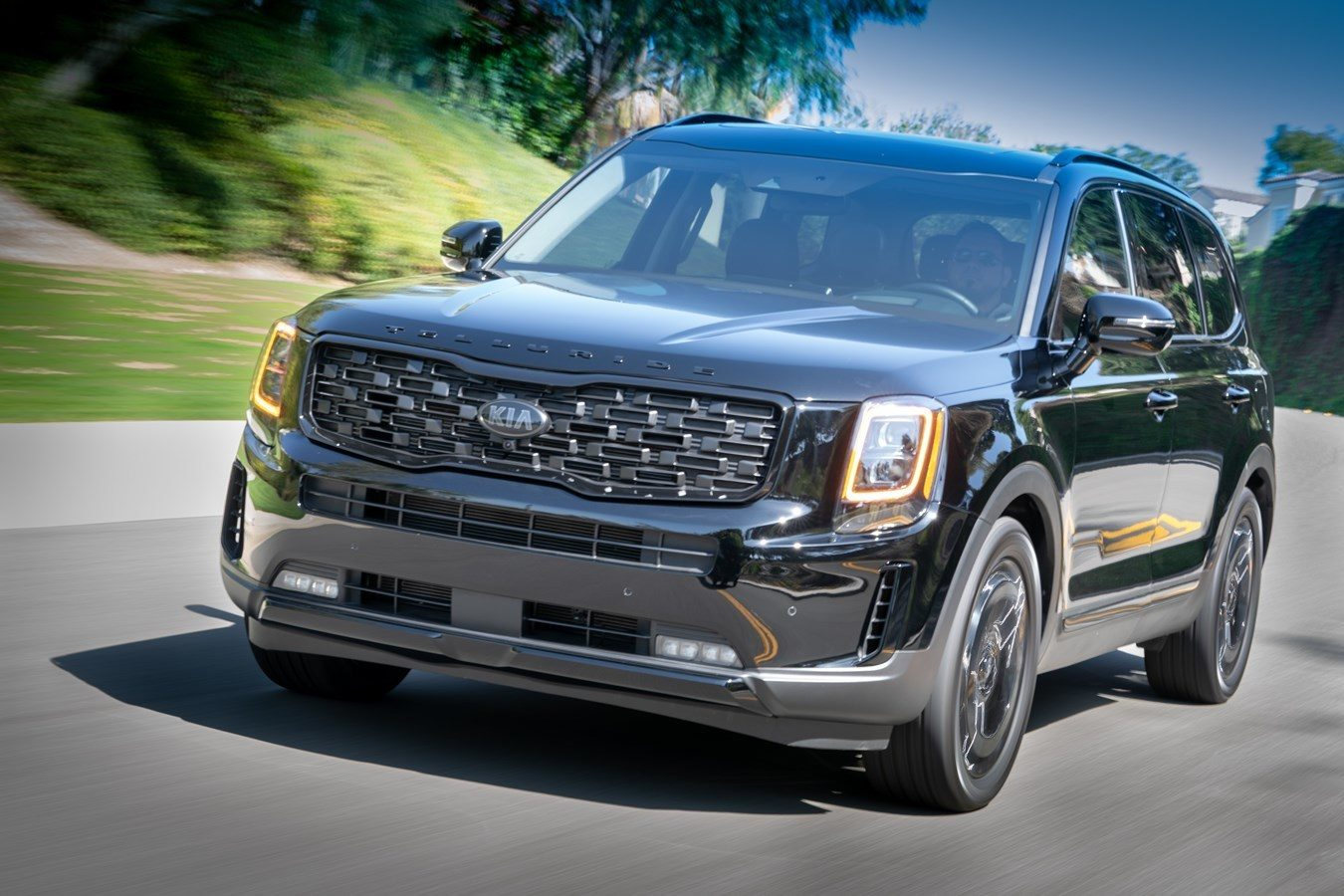 Kia Telluride Travels To The Dark Side In This Nightfall Edition Gallery