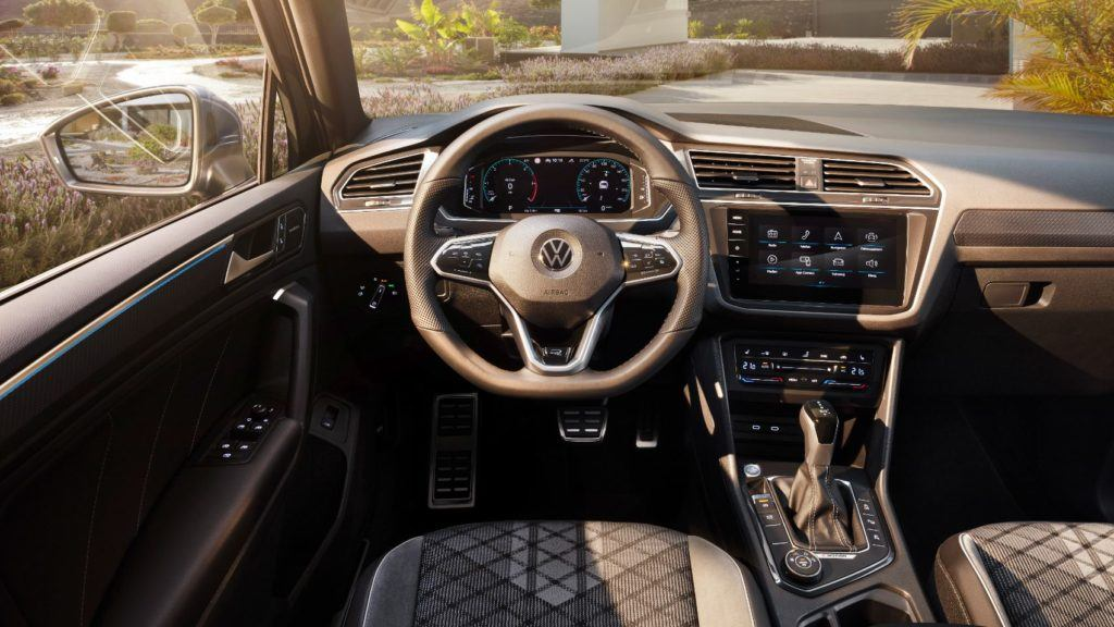 2022 VW Tiguan interior layout.