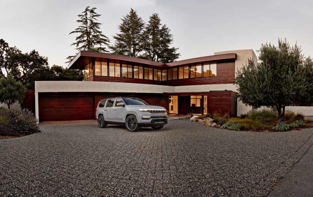 Jeep Grand Wagoneer Concept 13