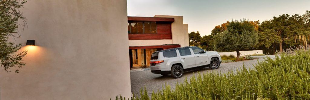 Jeep Grand Wagoneer Concept 19