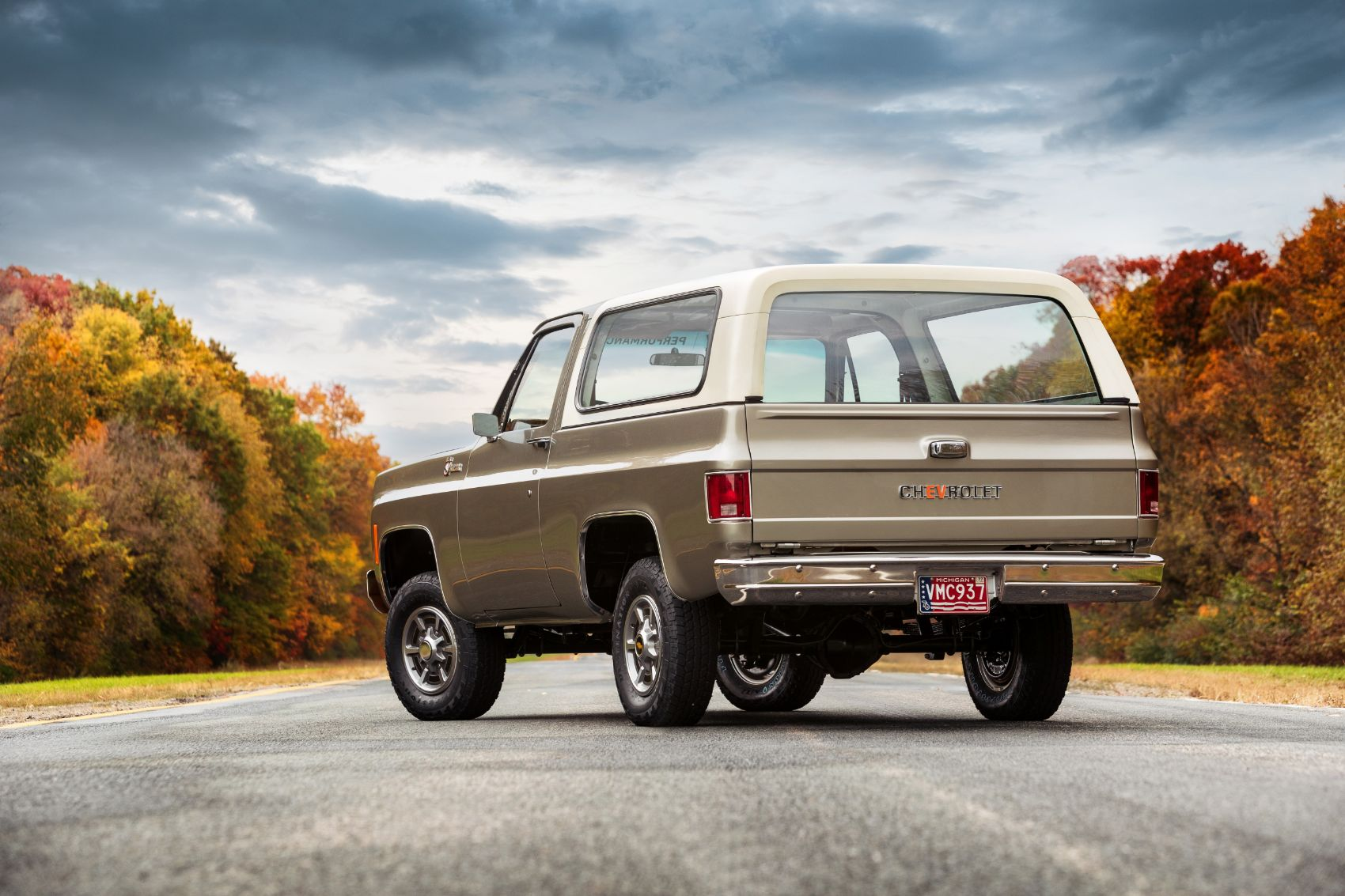 Chevy K5 Blazer-E Rolls Into SEMA360 as a Modern EV With Vintage Flair
