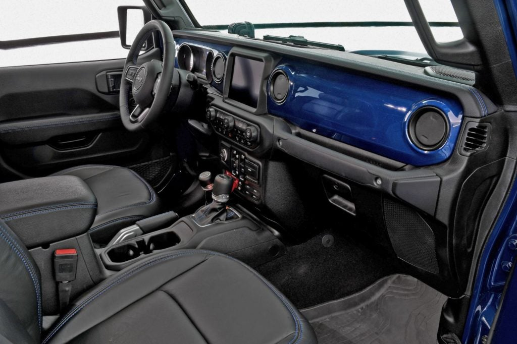 Jeep Gladiator Top Dog Concept interior layout.