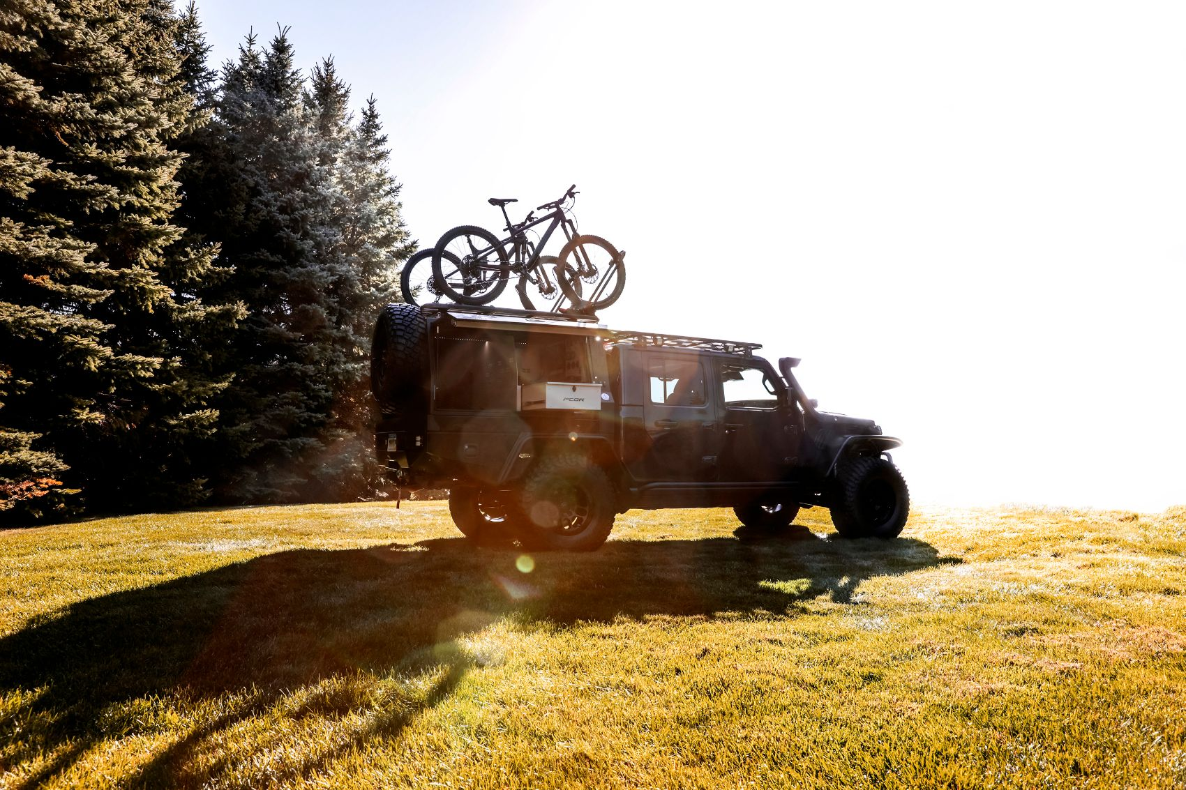 Jeep Gladiator Top Dog Concept: The Jeep For Brave Mountain Bikers!