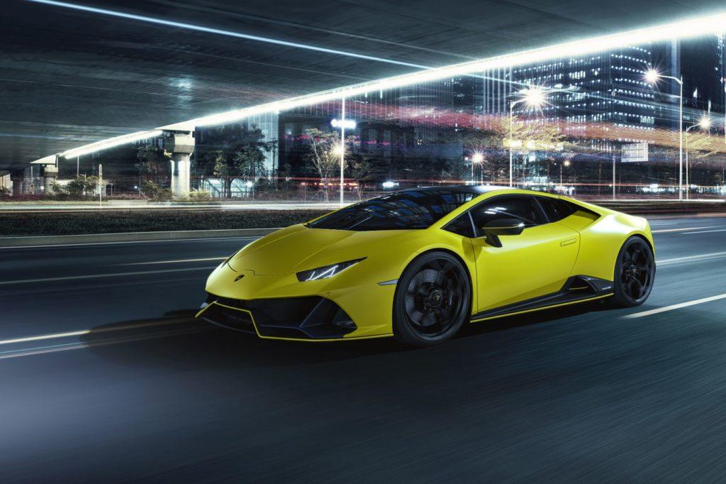 Lamborghini Huracán EVO Fluo Capsule in Giallo Clarus.