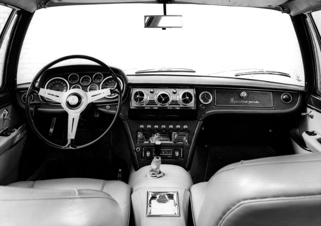 Maserati Quattroporte Gen 1 Series II interior 1