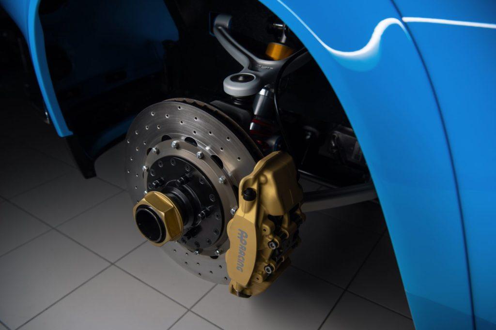 Volvo P1800 Cyan underbody components.