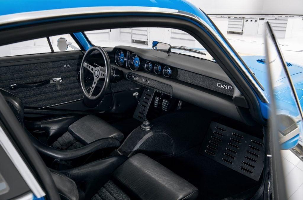 Volvo P1800 Cyan 30