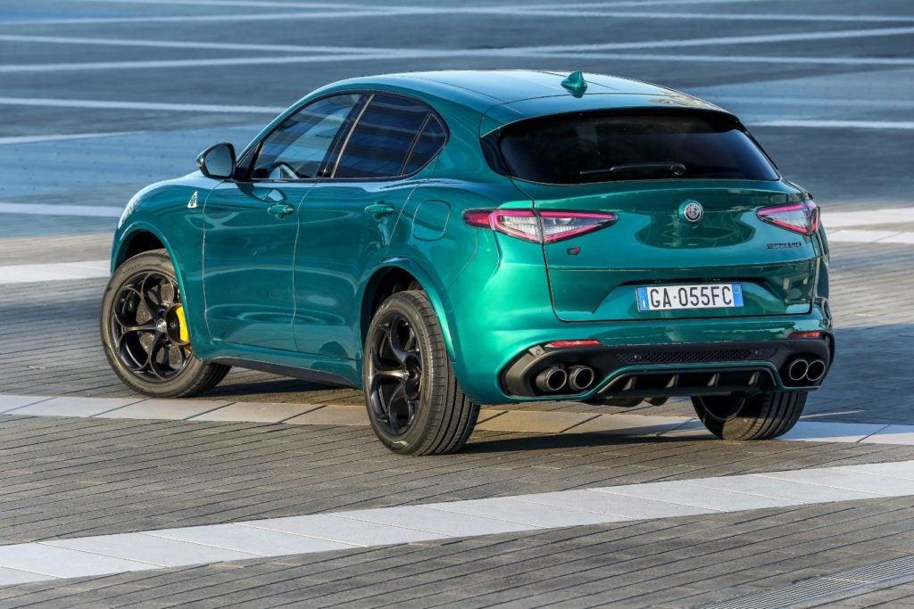 2021 Alfa Romeo Stelvio 16