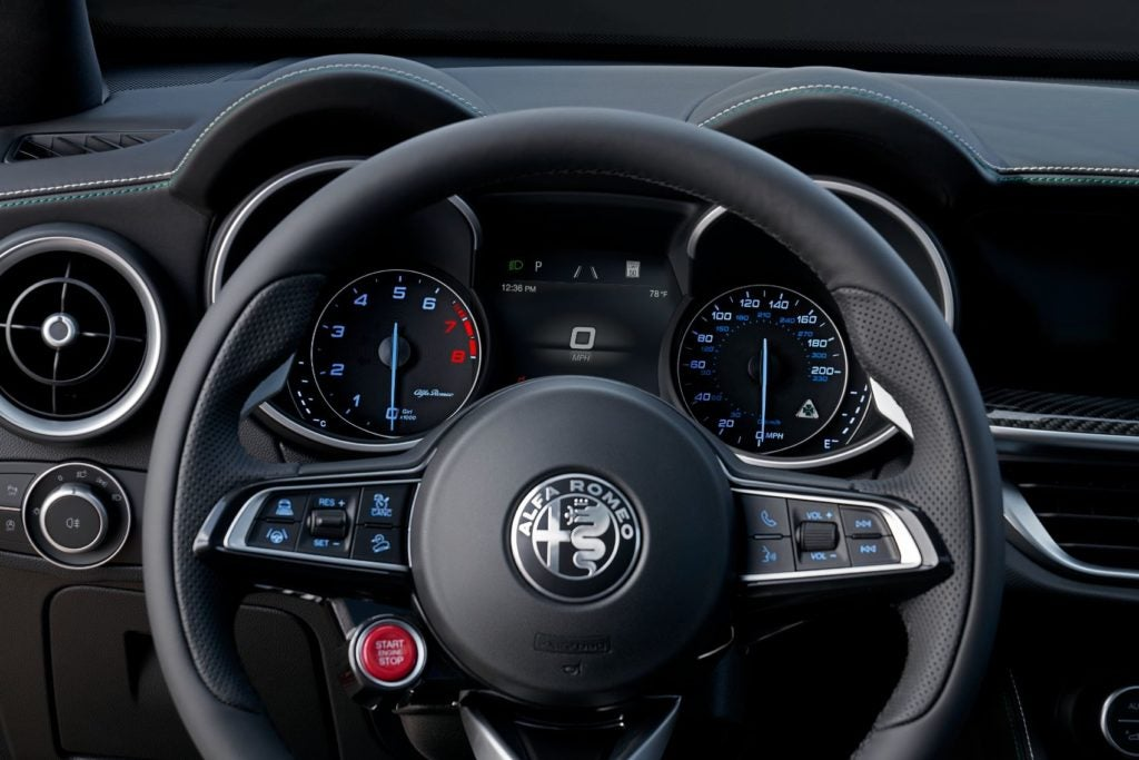 2021 Alfa Romeo Stelvio 8