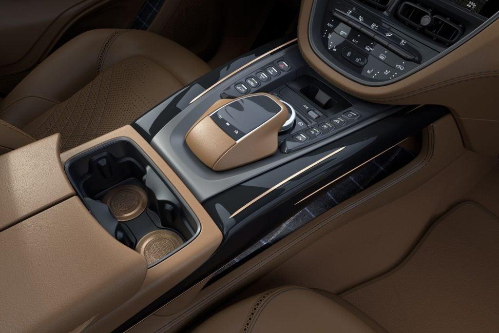 Aston Martin DBX Bowmore Edition 18