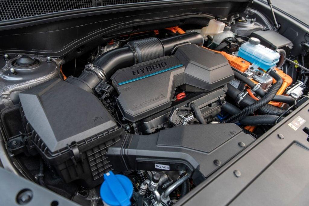 2021 Hyundai Santa Fe Hybrid under the hood.