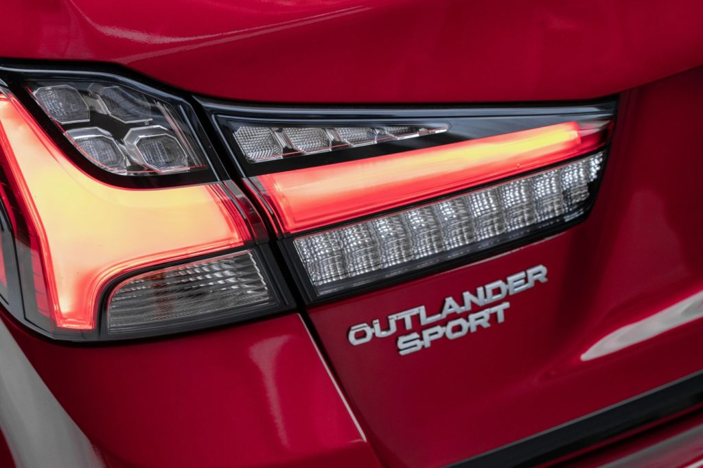 2021 Mitsubishi Outlander Sport Black Edition 3